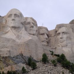 usa-mountrushmore-1